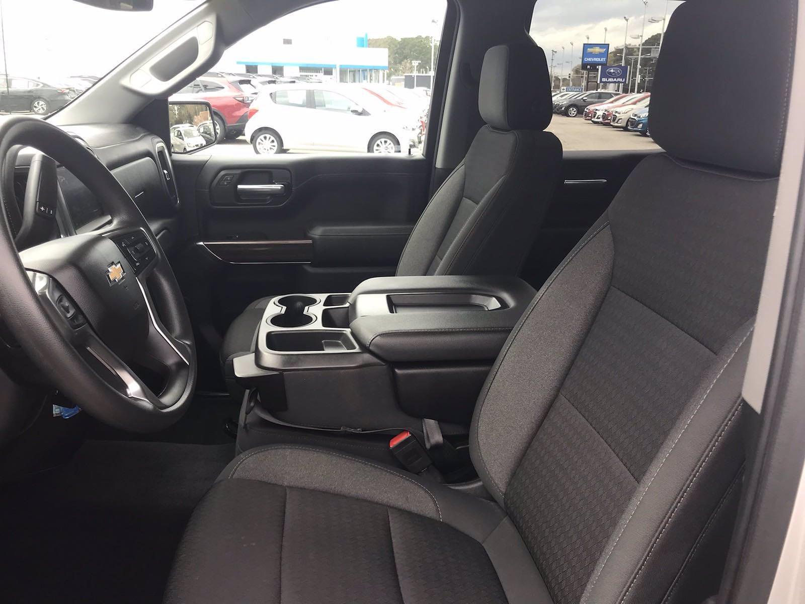 2020 Chevrolet Silverado 1500 Crew Cab 4x4, Pickup #16449PN - photo 24