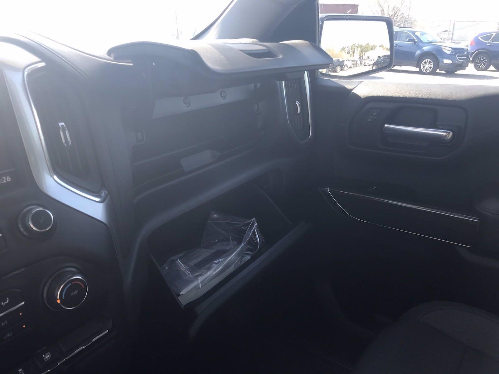 2020 Chevrolet Silverado 1500 Crew Cab 4x4, Pickup #16450P - photo 36
