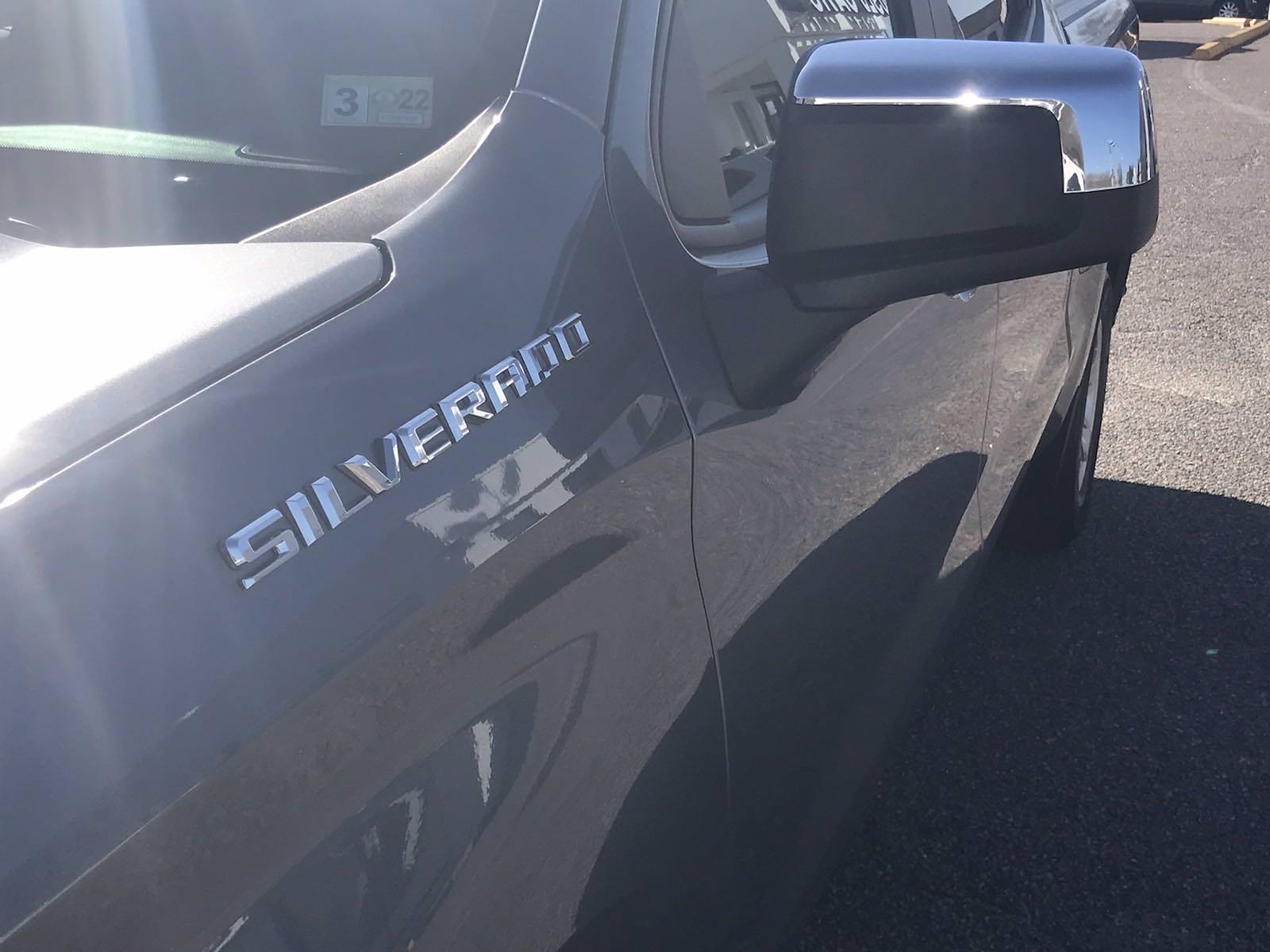 2020 Chevrolet Silverado 1500 Crew Cab 4x4, Pickup #16456P - photo 13