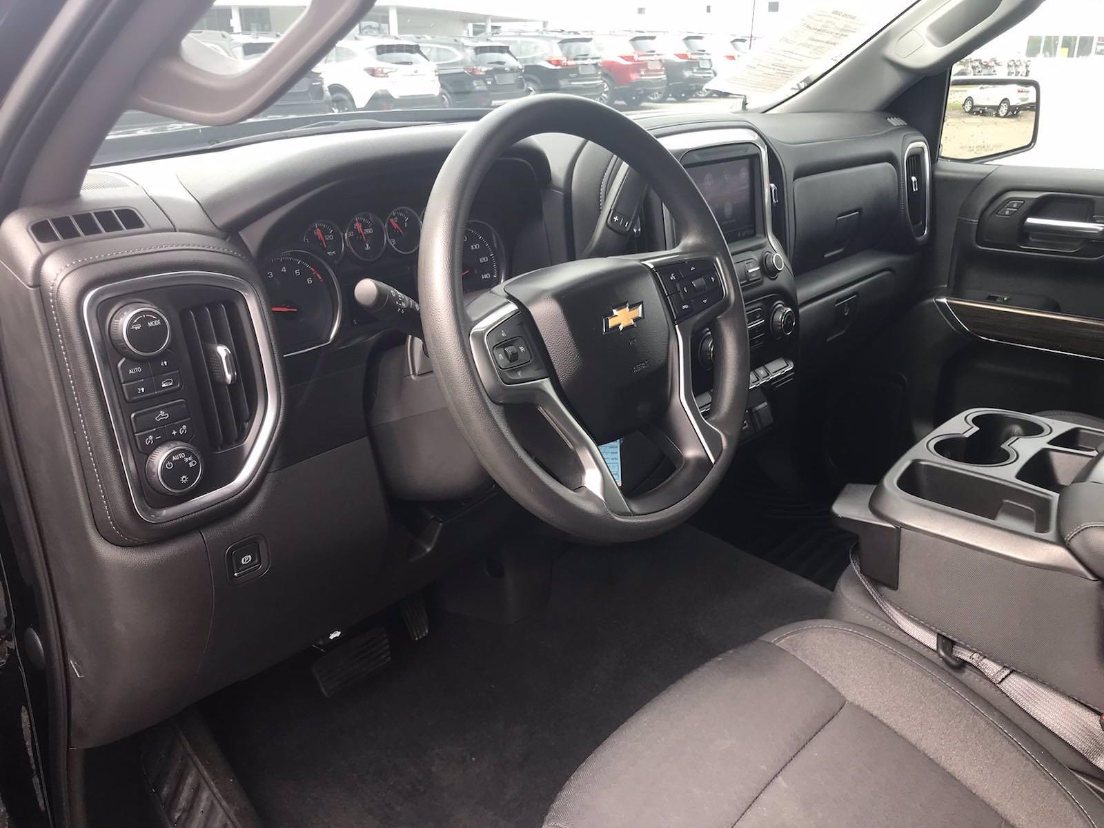 2020 Chevrolet Silverado 1500 Crew Cab 4x4, Pickup #16458PN - photo 26