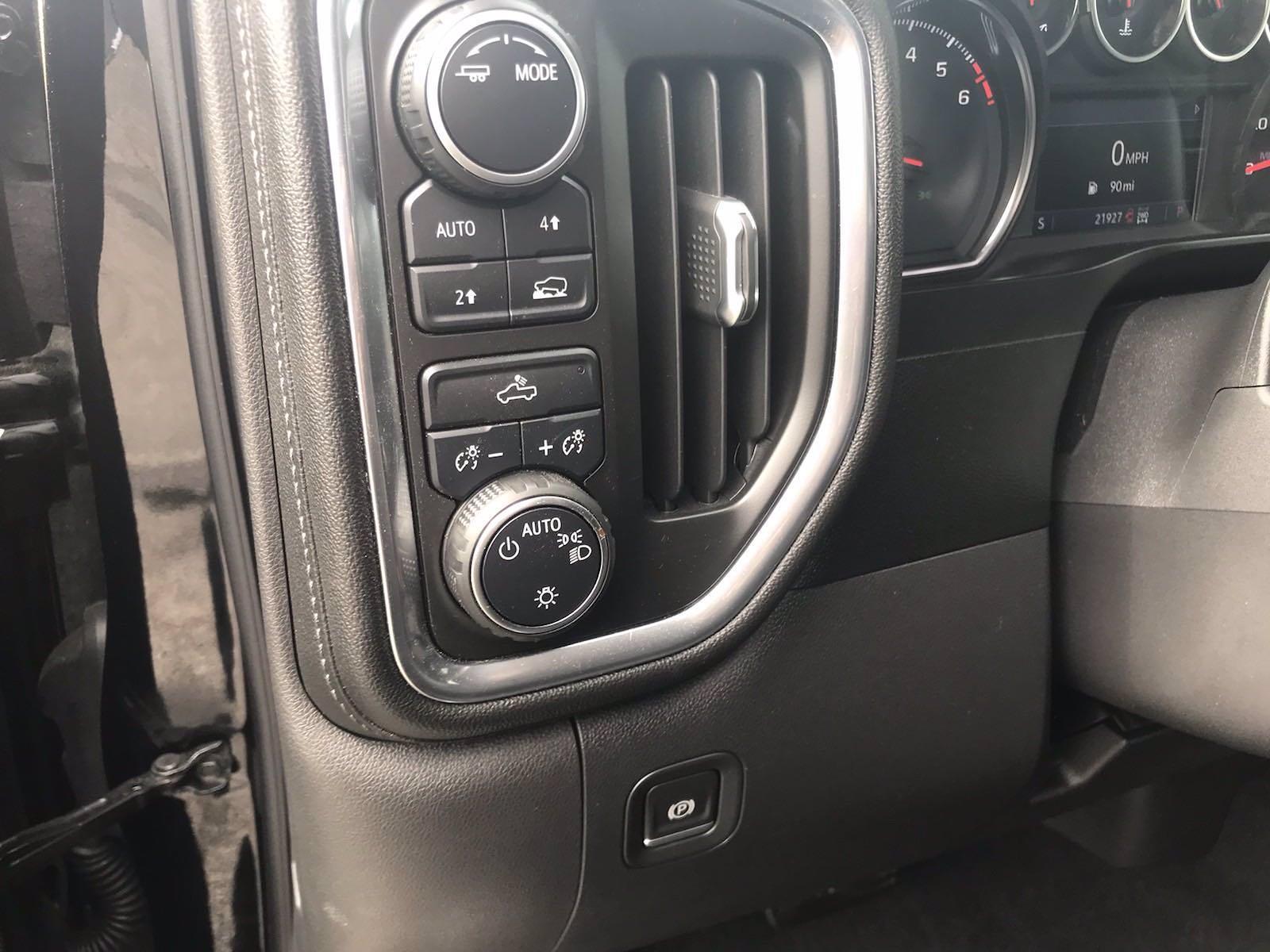 2020 Chevrolet Silverado 1500 Crew Cab 4x4, Pickup #16458PN - photo 27