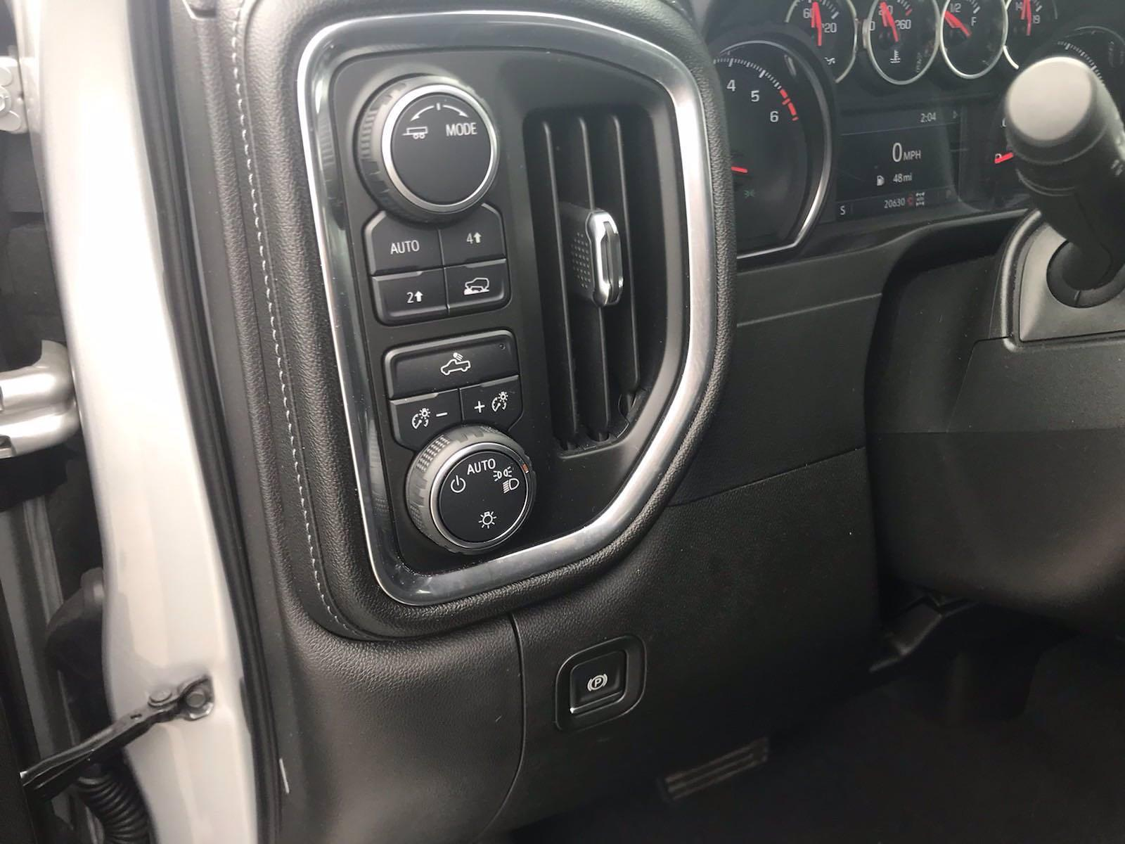 2020 Chevrolet Silverado 1500 Double Cab 4x4, Pickup #16461PN - photo 25