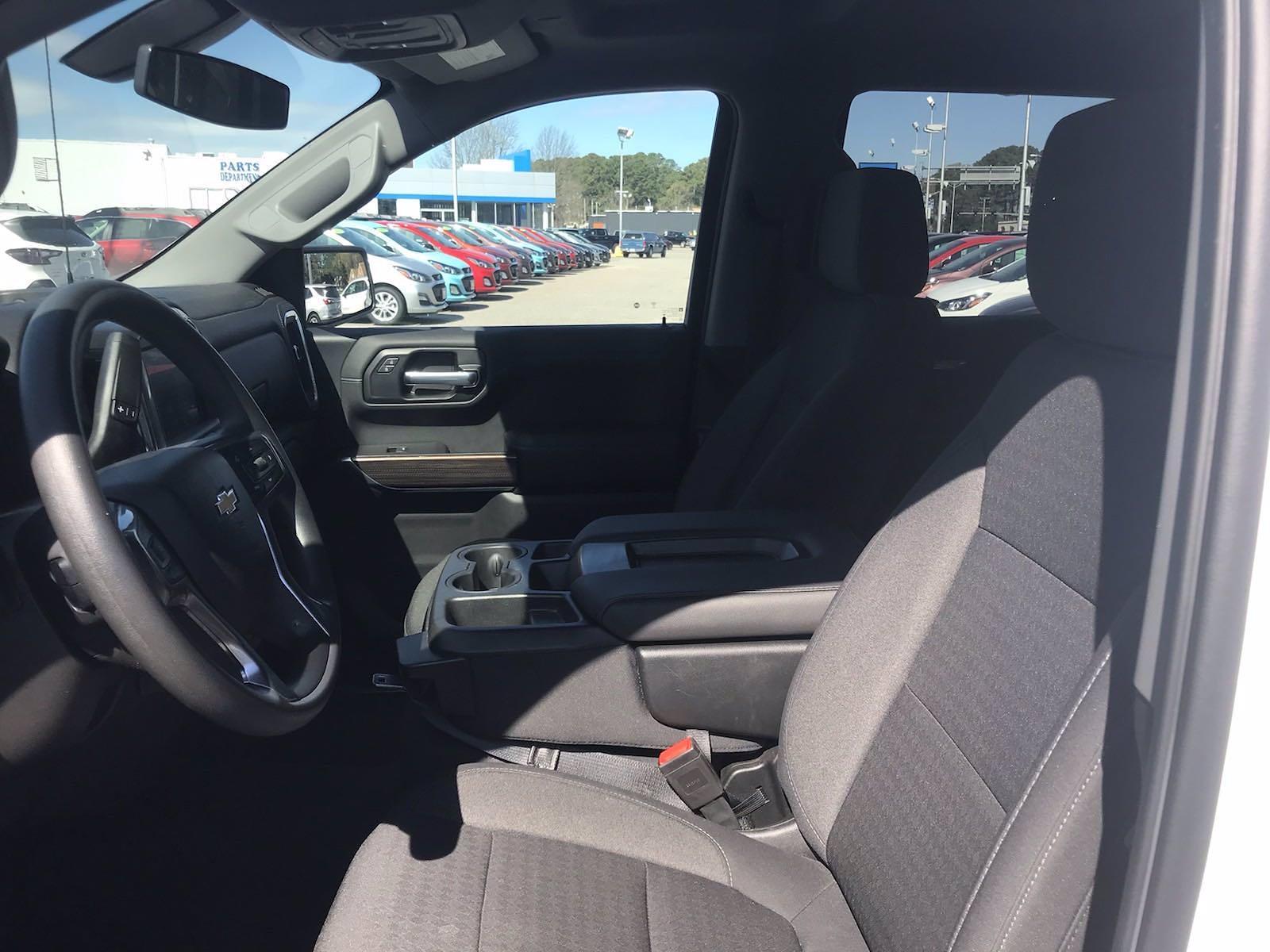 2020 Chevrolet Silverado 1500 Crew Cab 4x4, Pickup #16464PN - photo 24