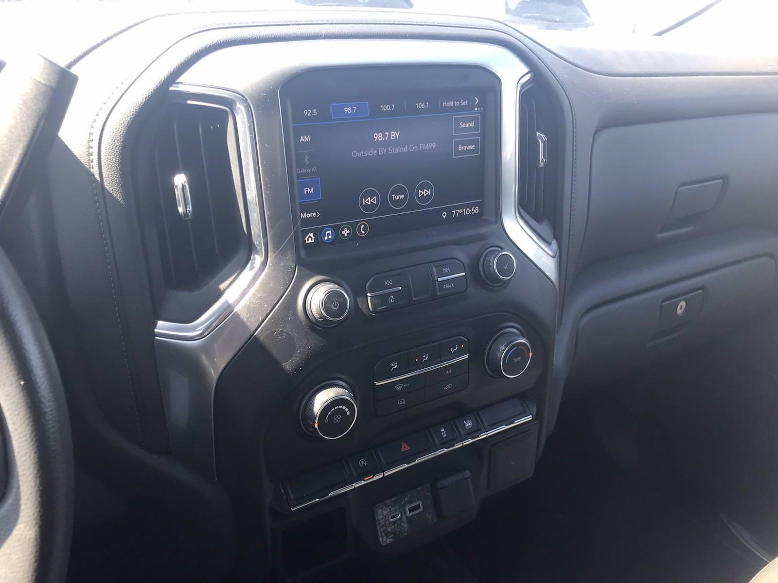 2020 Chevrolet Silverado 1500 Crew Cab 4x4, Pickup #16464PN - photo 31