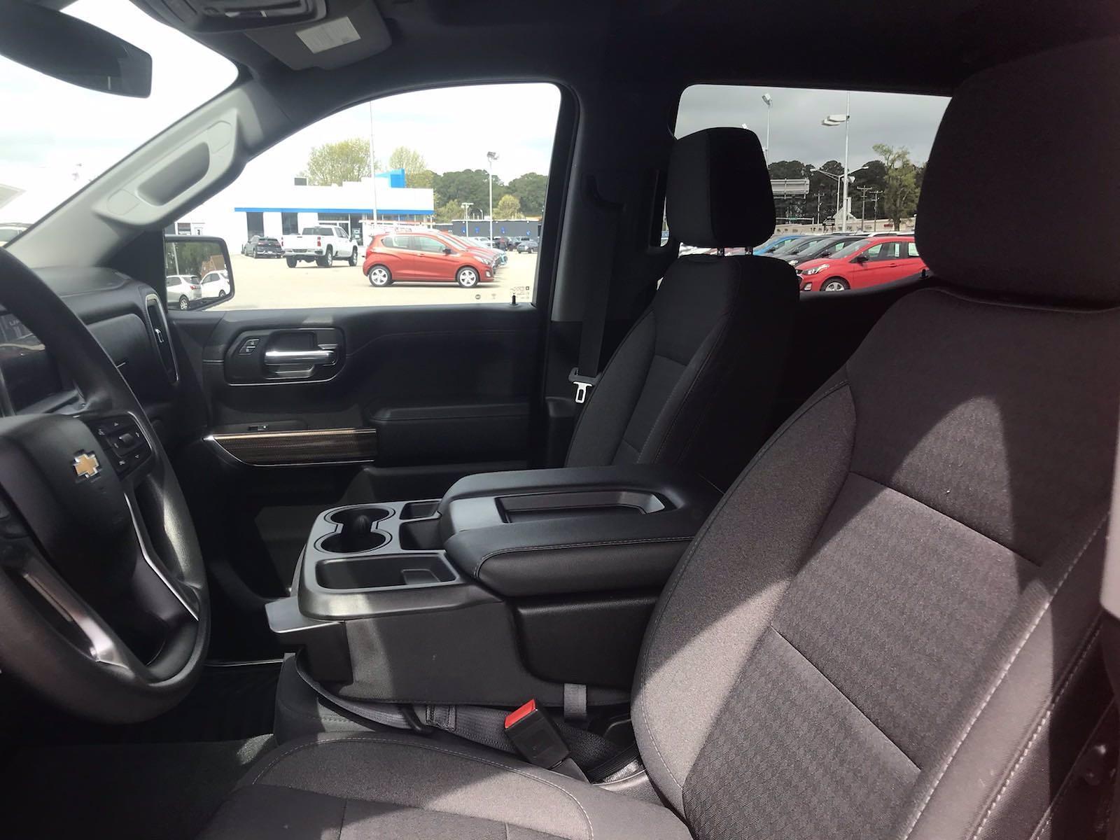 2020 Chevrolet Silverado 1500 Crew Cab 4x4, Pickup #16466PN - photo 24