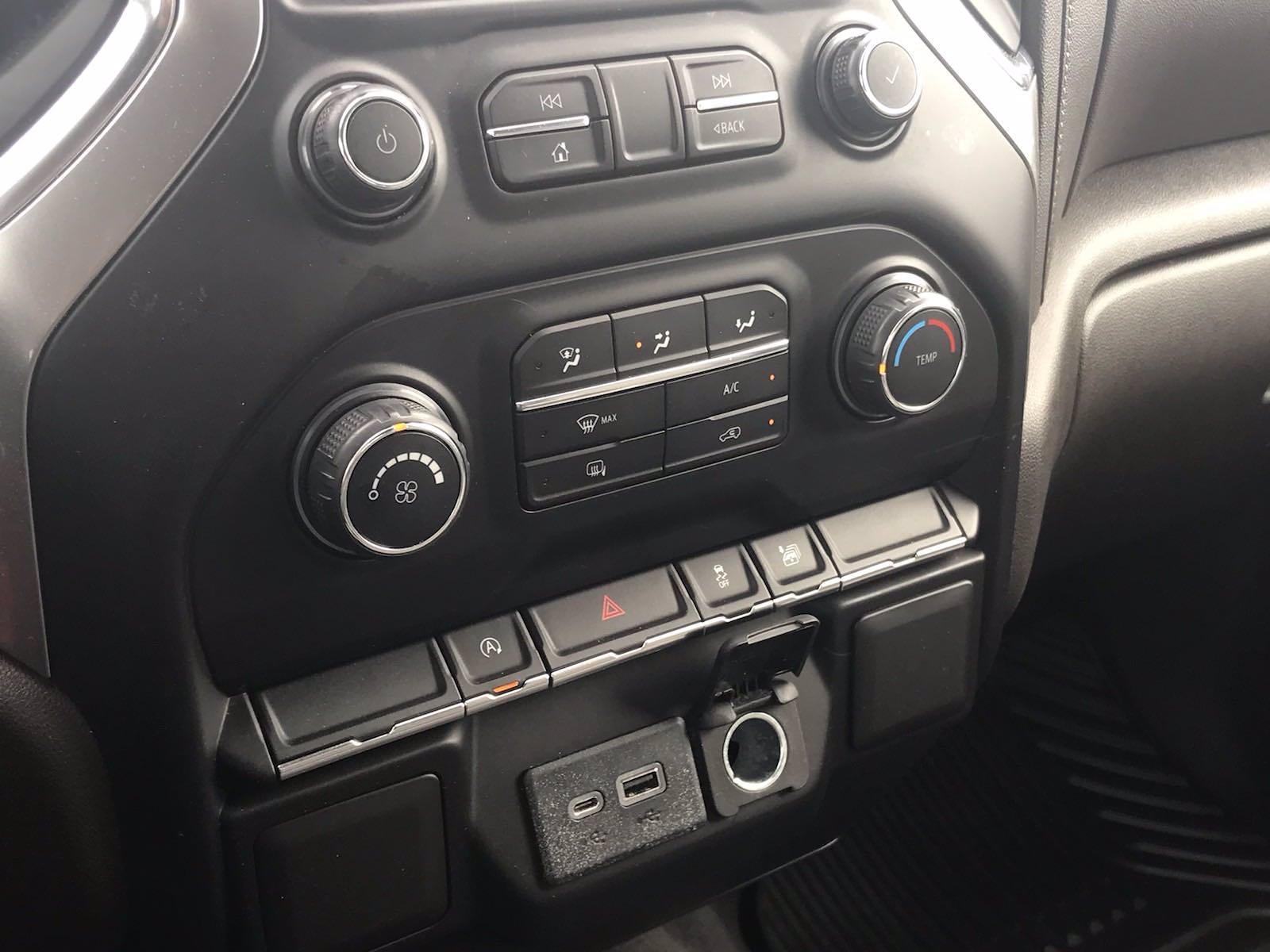 2020 Chevrolet Silverado 1500 Crew Cab 4x4, Pickup #16467P - photo 33