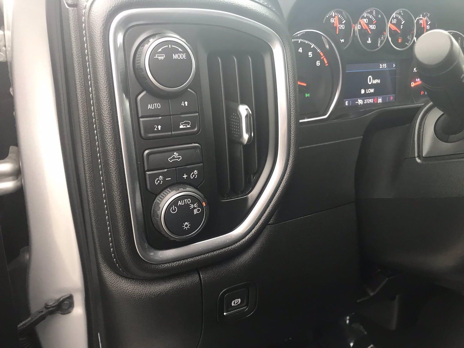 2020 Chevrolet Silverado 1500 Crew Cab 4x4, Pickup #16468P - photo 24