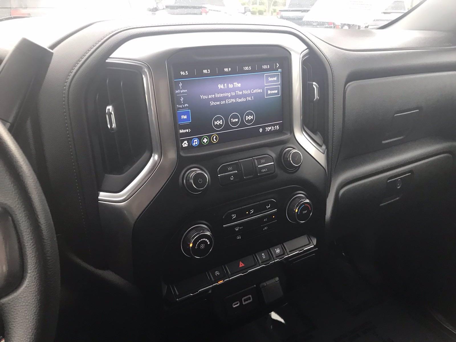 2020 Chevrolet Silverado 1500 Crew Cab 4x4, Pickup #16468P - photo 30