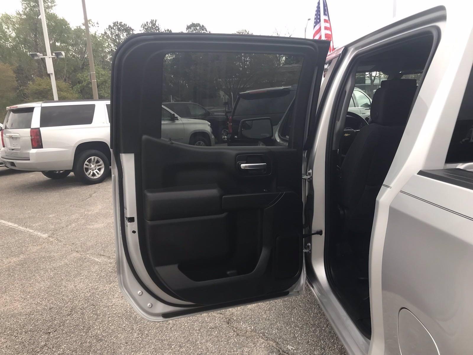 2020 Chevrolet Silverado 1500 Crew Cab 4x4, Pickup #16468P - photo 39