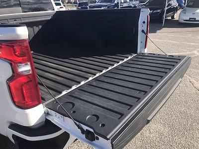 2019 Chevrolet Silverado 1500 Crew Cab 4x4, Pickup #16473P - photo 18