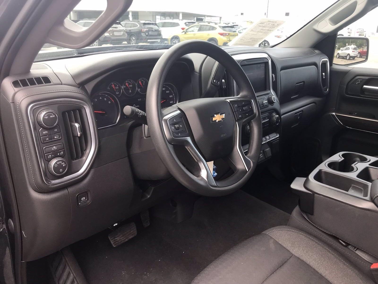 2020 Chevrolet Silverado 1500 Crew Cab 4x4, Pickup #16476PN - photo 24