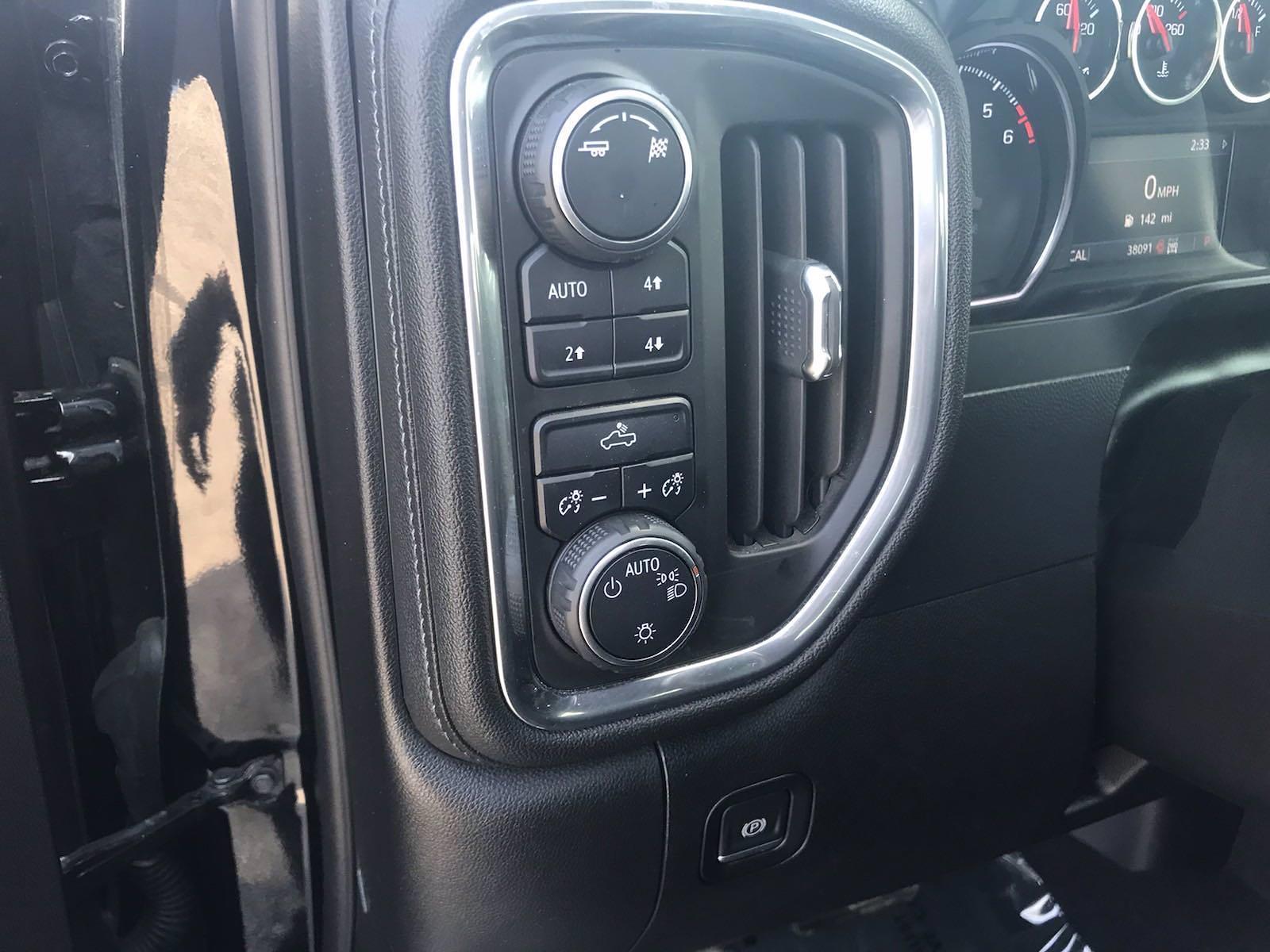 2019 Chevrolet Silverado 1500 Crew Cab 4x4, Pickup #16486P - photo 24