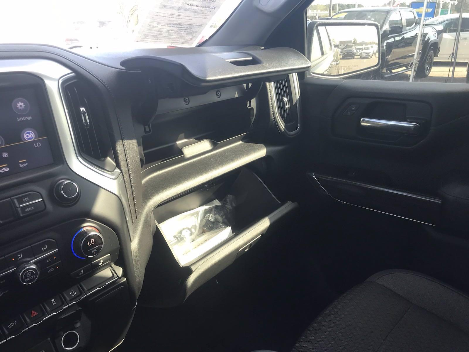 2019 Chevrolet Silverado 1500 Crew Cab 4x4, Pickup #16486P - photo 38