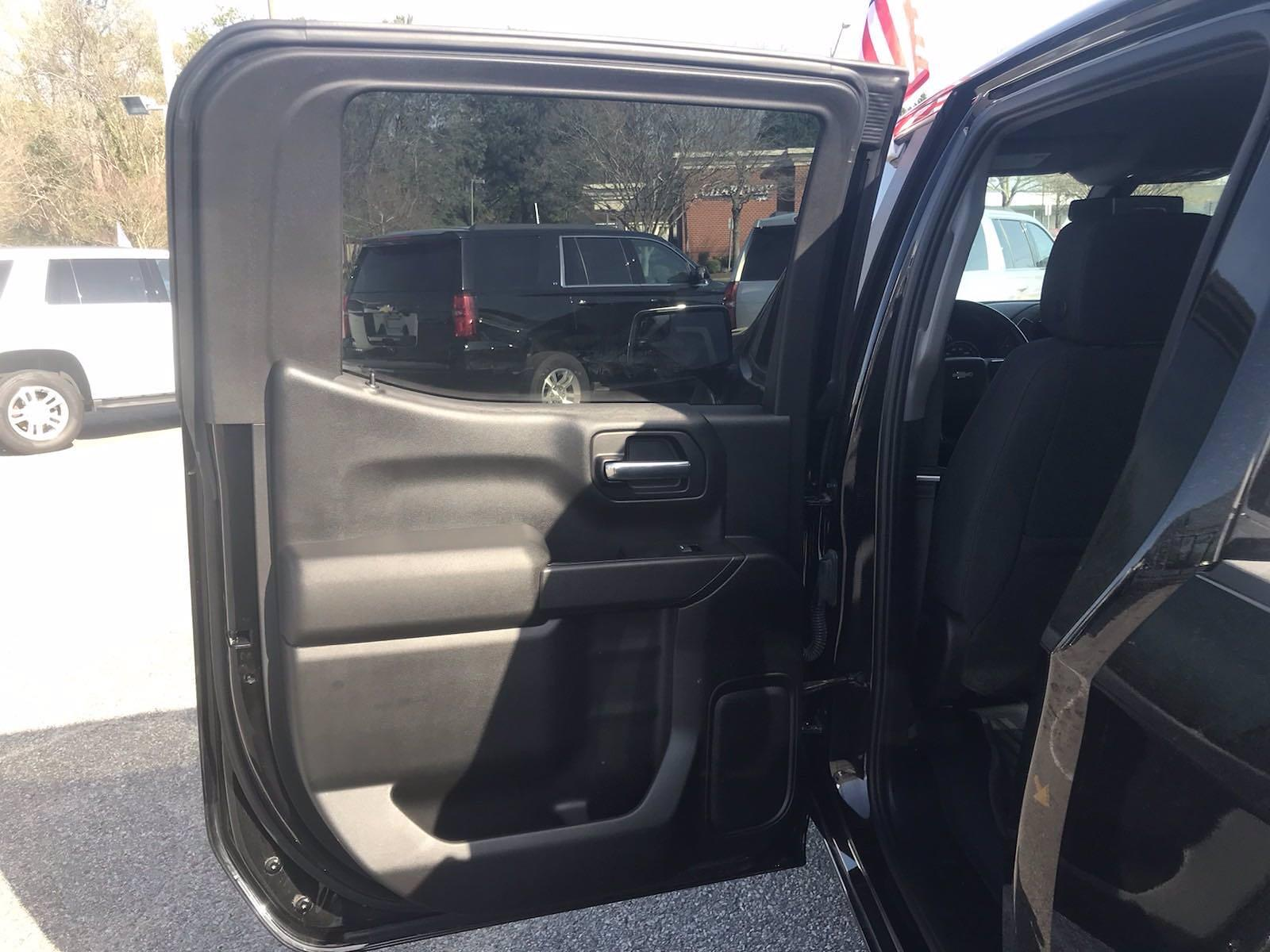 2019 Chevrolet Silverado 1500 Crew Cab 4x4, Pickup #16486P - photo 40