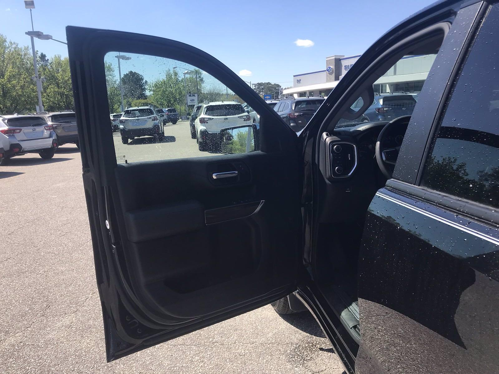 2019 Chevrolet Silverado 1500 Crew Cab 4x4, Pickup #16493PN - photo 18