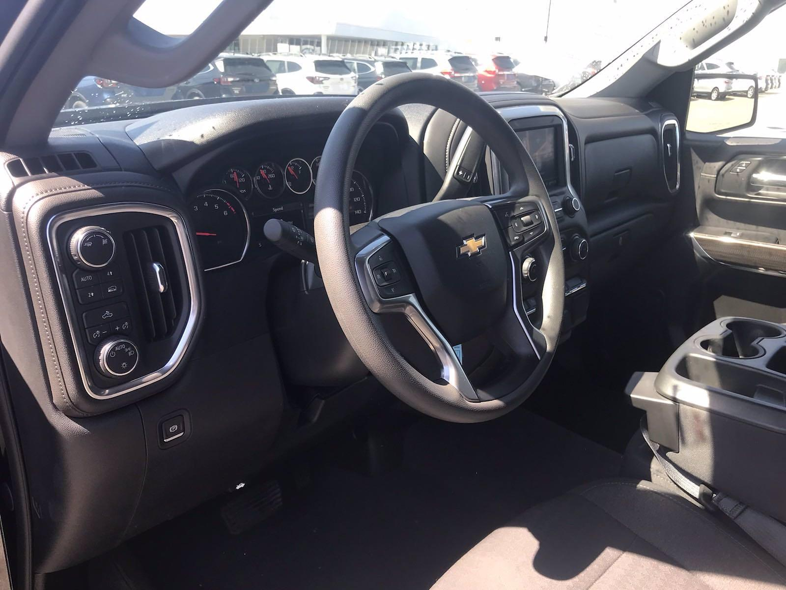 2019 Chevrolet Silverado 1500 Crew Cab 4x4, Pickup #16493PN - photo 23
