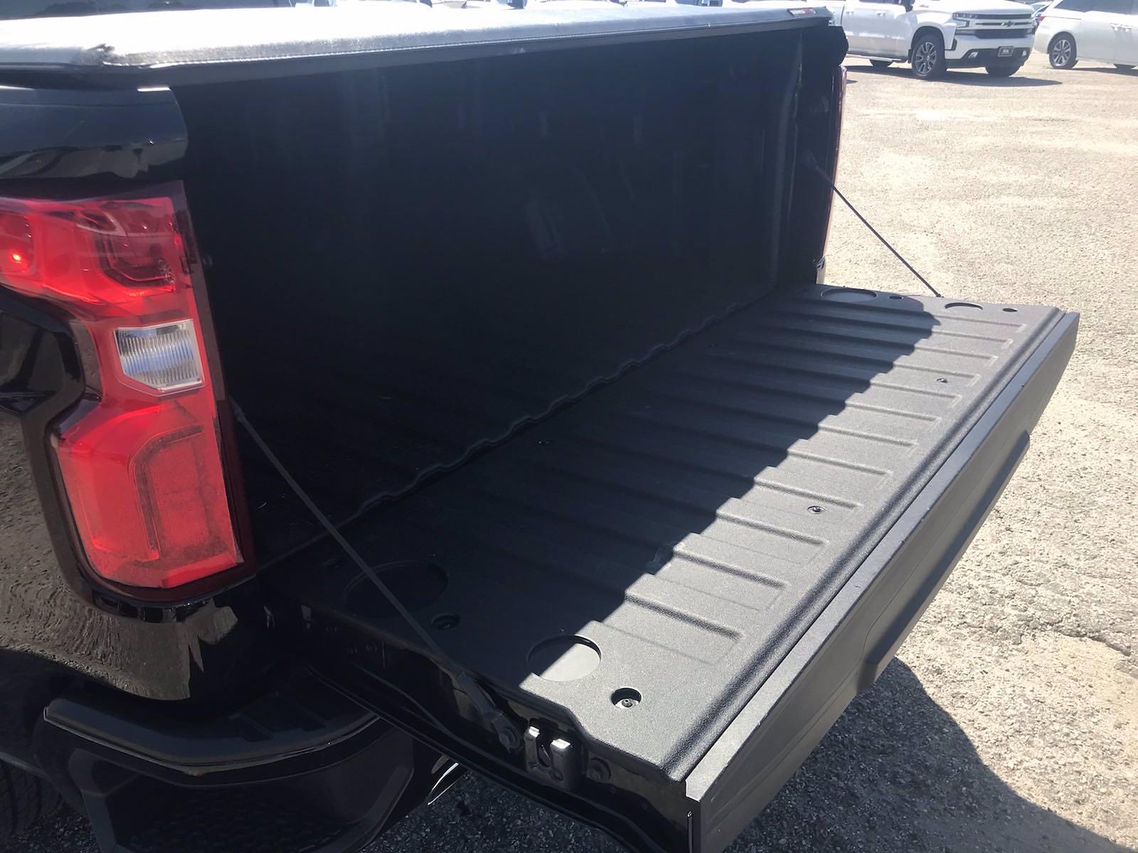 2019 Chevrolet Silverado 1500 Crew Cab 4x4, Pickup #16509P - photo 18