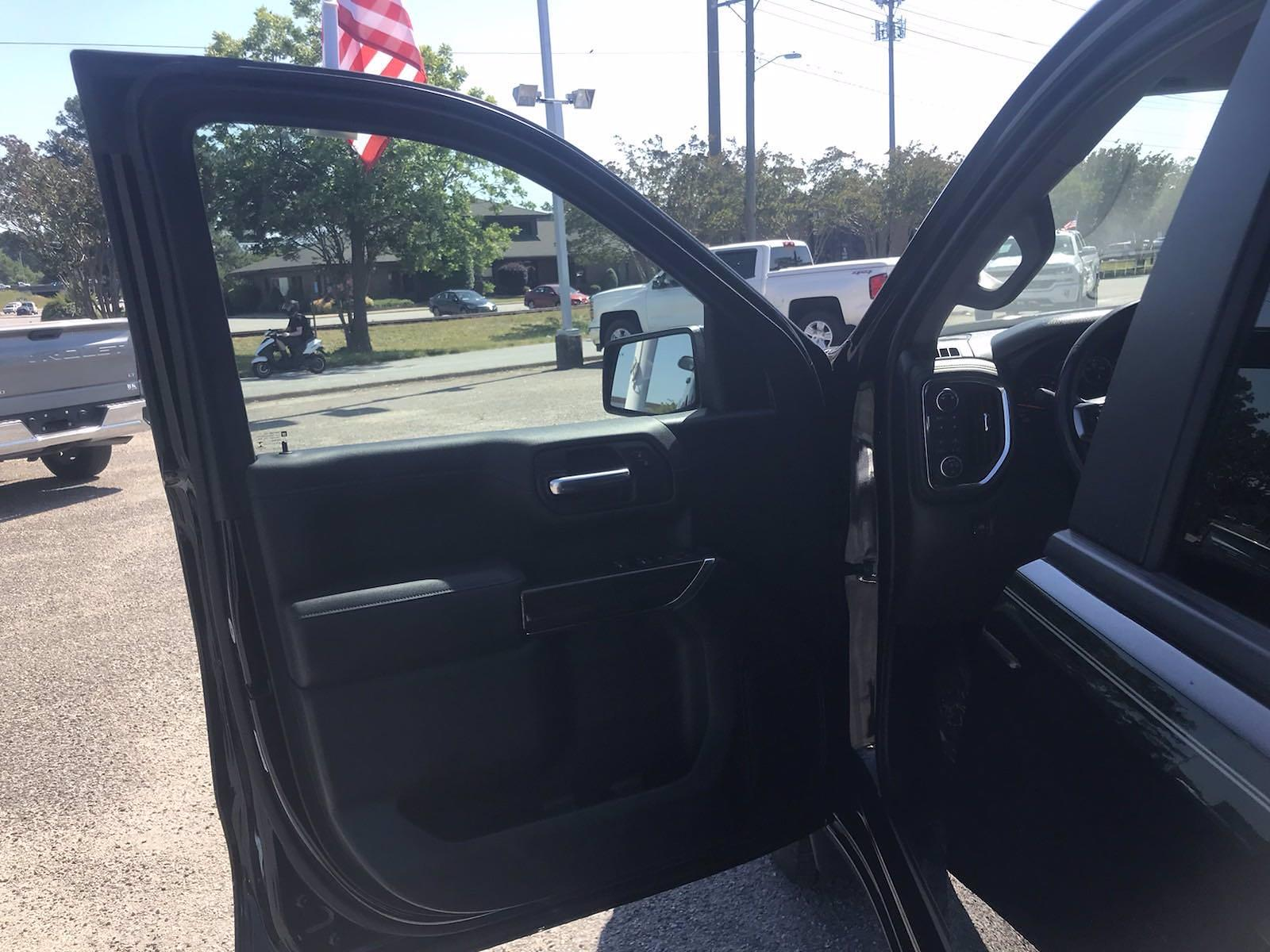 2019 Chevrolet Silverado 1500 Crew Cab 4x4, Pickup #16509P - photo 20