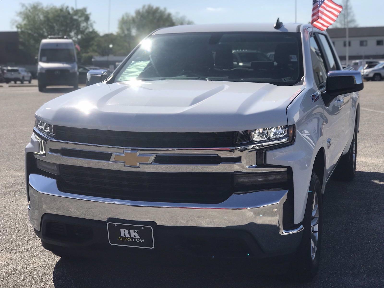 2019 Chevrolet Silverado 1500 Crew Cab 4x4, Pickup #16513P - photo 11