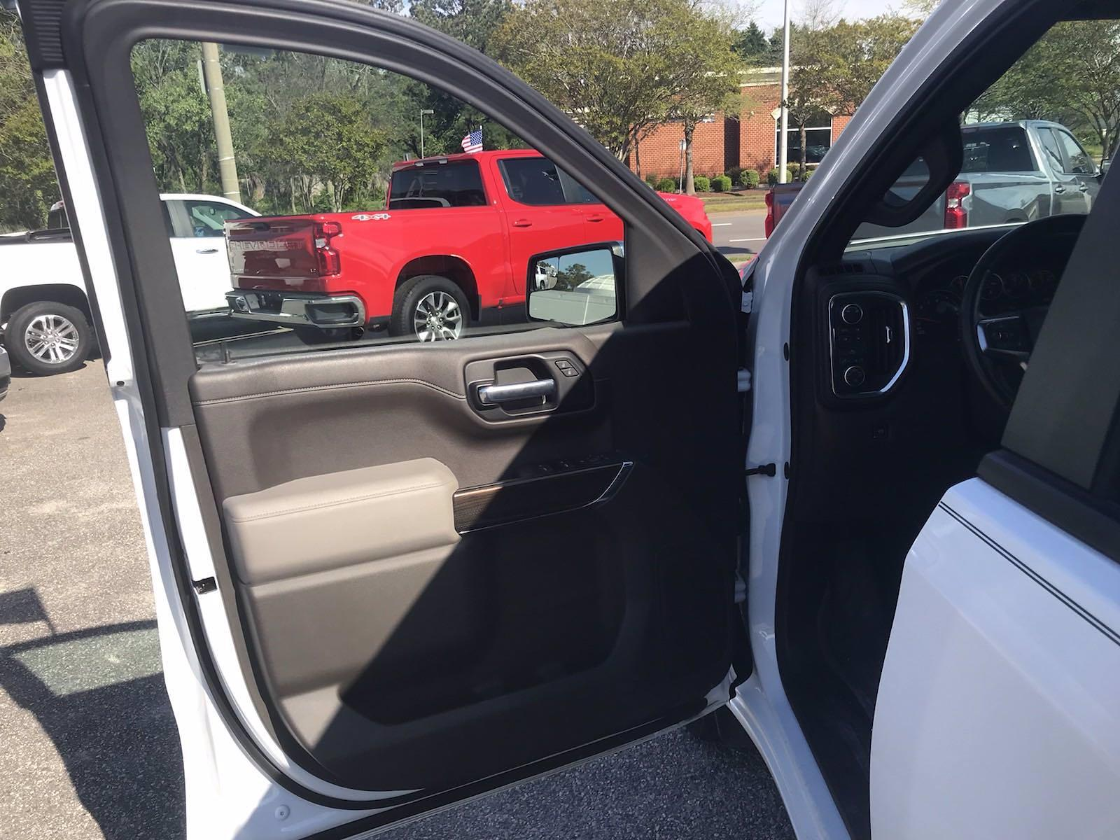 2019 Chevrolet Silverado 1500 Crew Cab 4x4, Pickup #16513P - photo 22