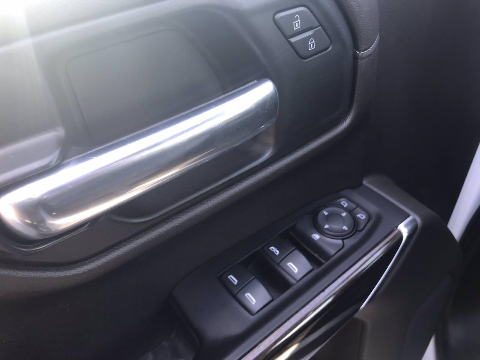 2019 Chevrolet Silverado 1500 Crew Cab 4x4, Pickup #16513P - photo 23