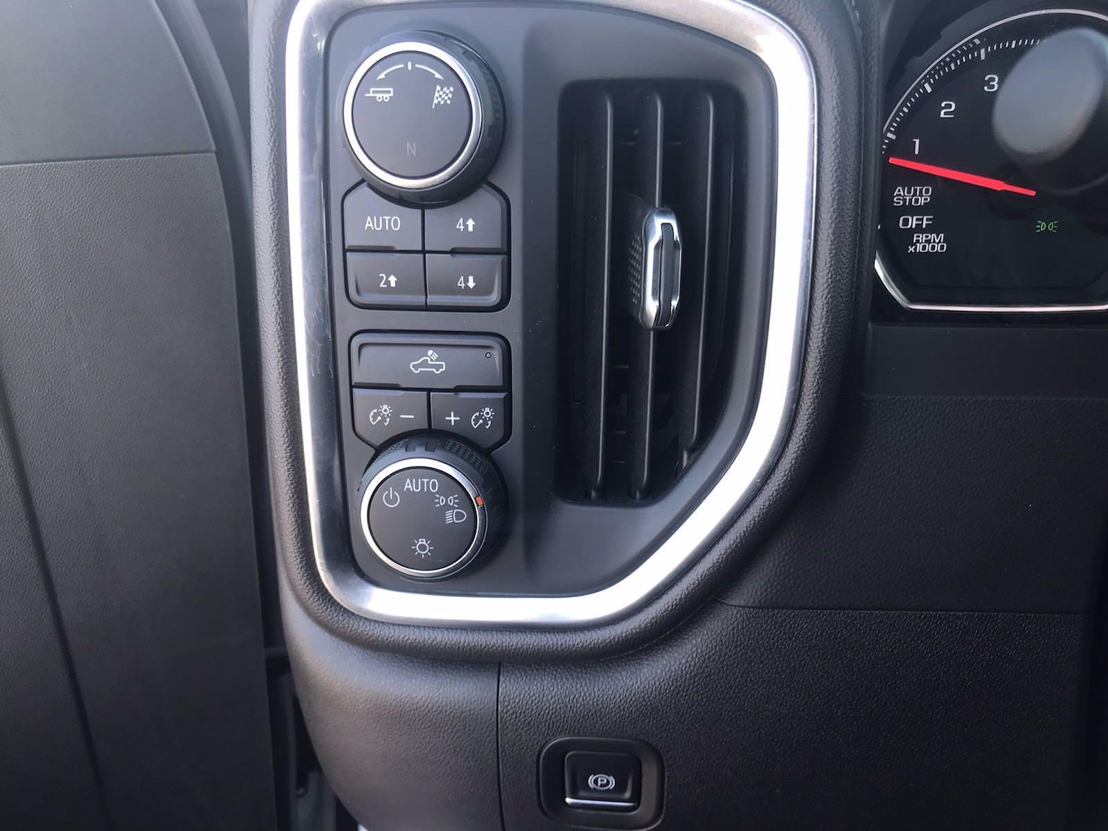 2019 Chevrolet Silverado 1500 Crew Cab 4x4, Pickup #16513P - photo 27