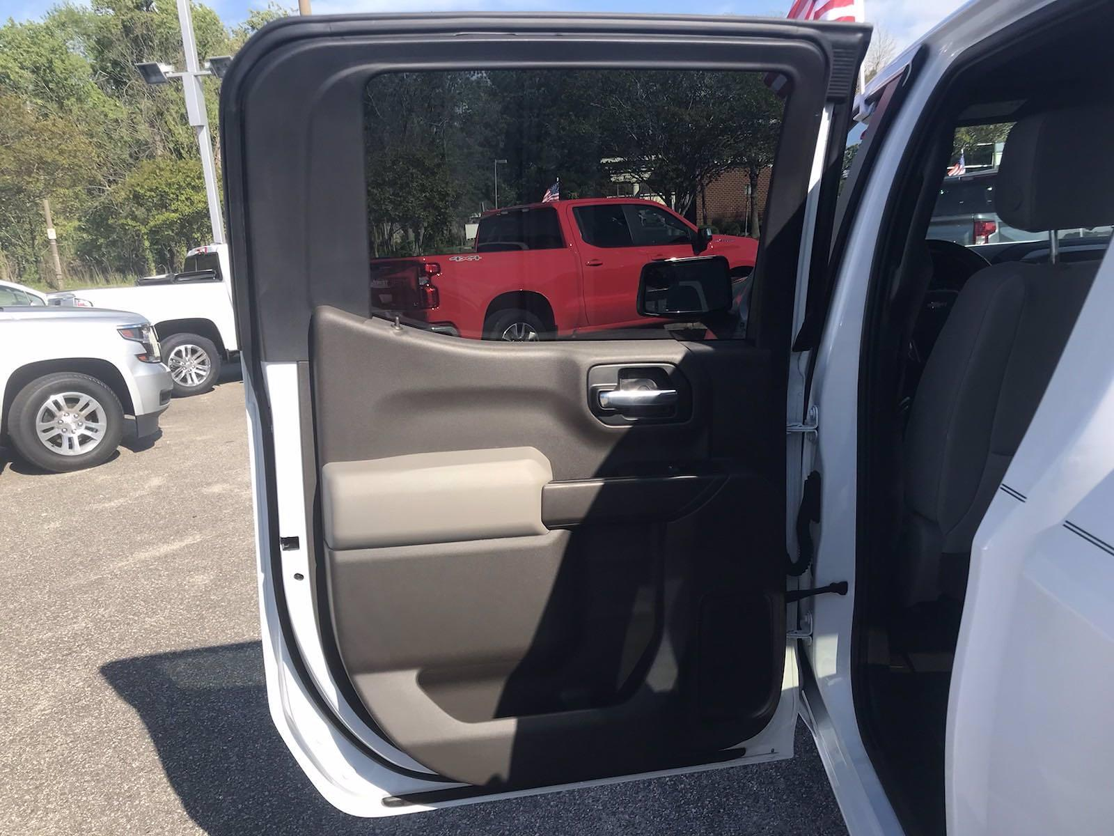 2019 Chevrolet Silverado 1500 Crew Cab 4x4, Pickup #16513P - photo 44