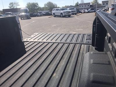2019 Chevrolet Silverado 1500 Crew Cab 4x4, Pickup #16513P - photo 20