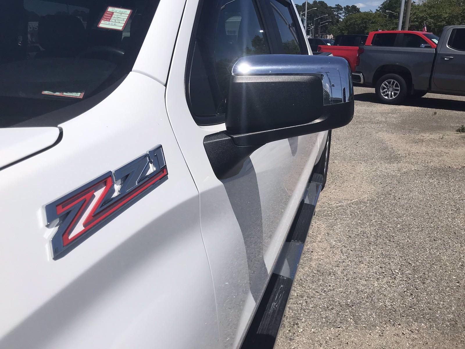 2019 Chevrolet Silverado 1500 Crew Cab 4x4, Pickup #16575P - photo 13