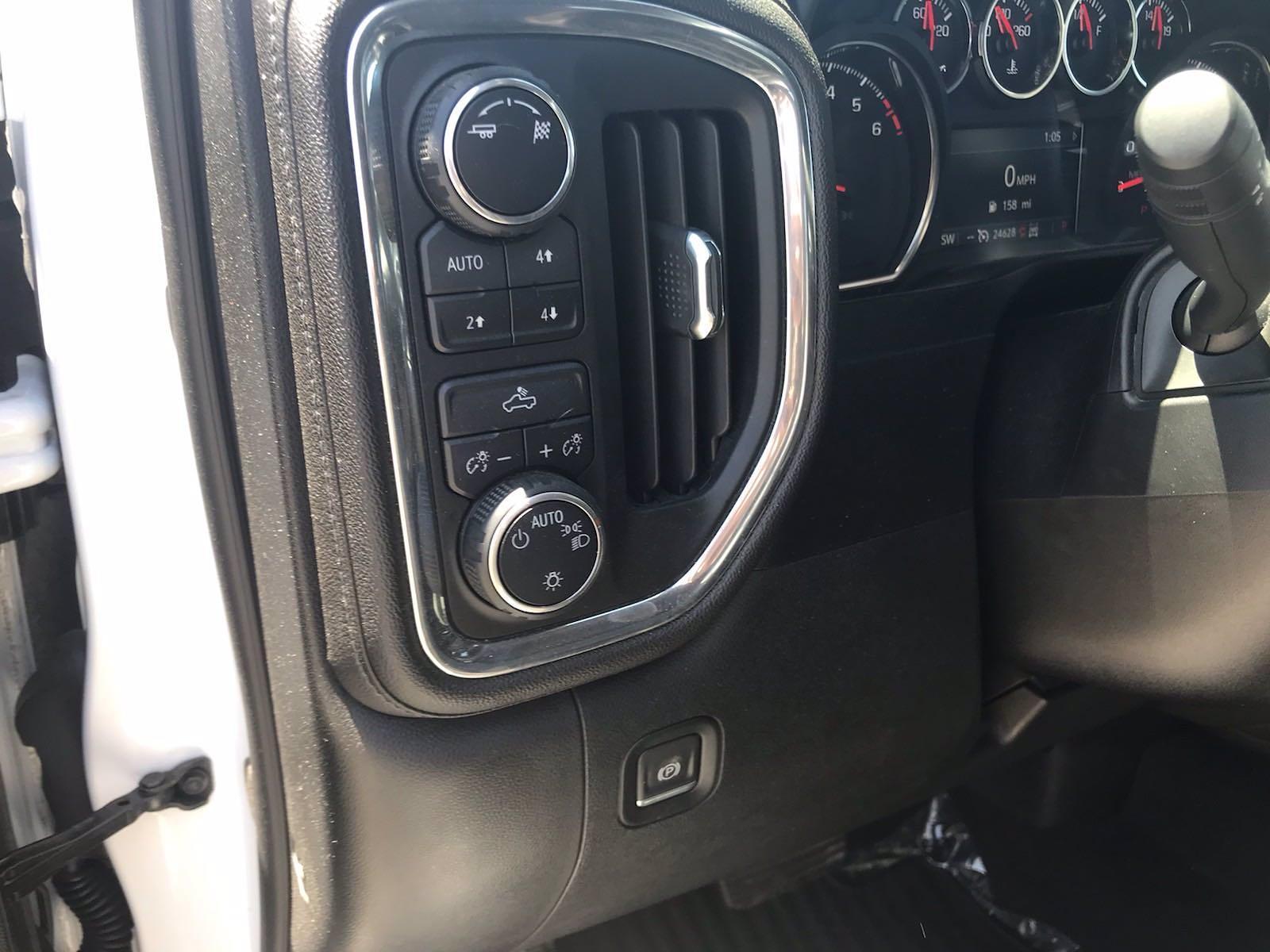 2019 Chevrolet Silverado 1500 Crew Cab 4x4, Pickup #16575P - photo 28