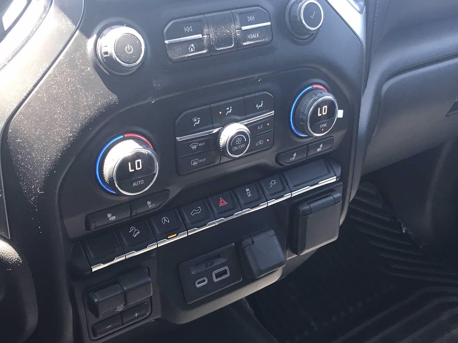 2019 Chevrolet Silverado 1500 Crew Cab 4x4, Pickup #16575P - photo 39