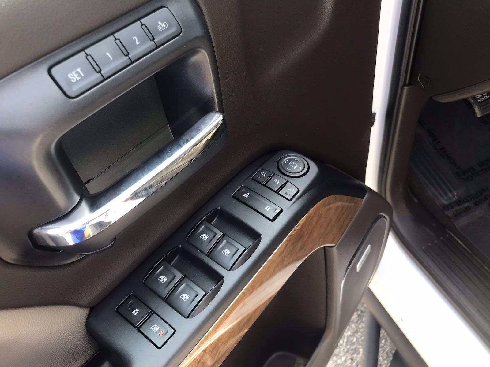 2018 Chevrolet Silverado 1500 Crew Cab 4x4, Pickup #16636P - photo 21