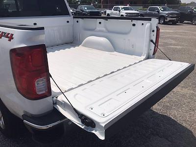 2018 Chevrolet Silverado 1500 Crew Cab 4x4, Pickup #16636P - photo 9