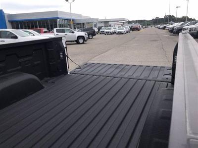 2020 Chevrolet Silverado 1500 Crew Cab 4x4, Pickup #203463 - photo 25