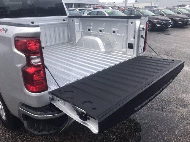 2021 Chevrolet Silverado 1500 Crew Cab 4x4, Pickup #215855 - photo 18