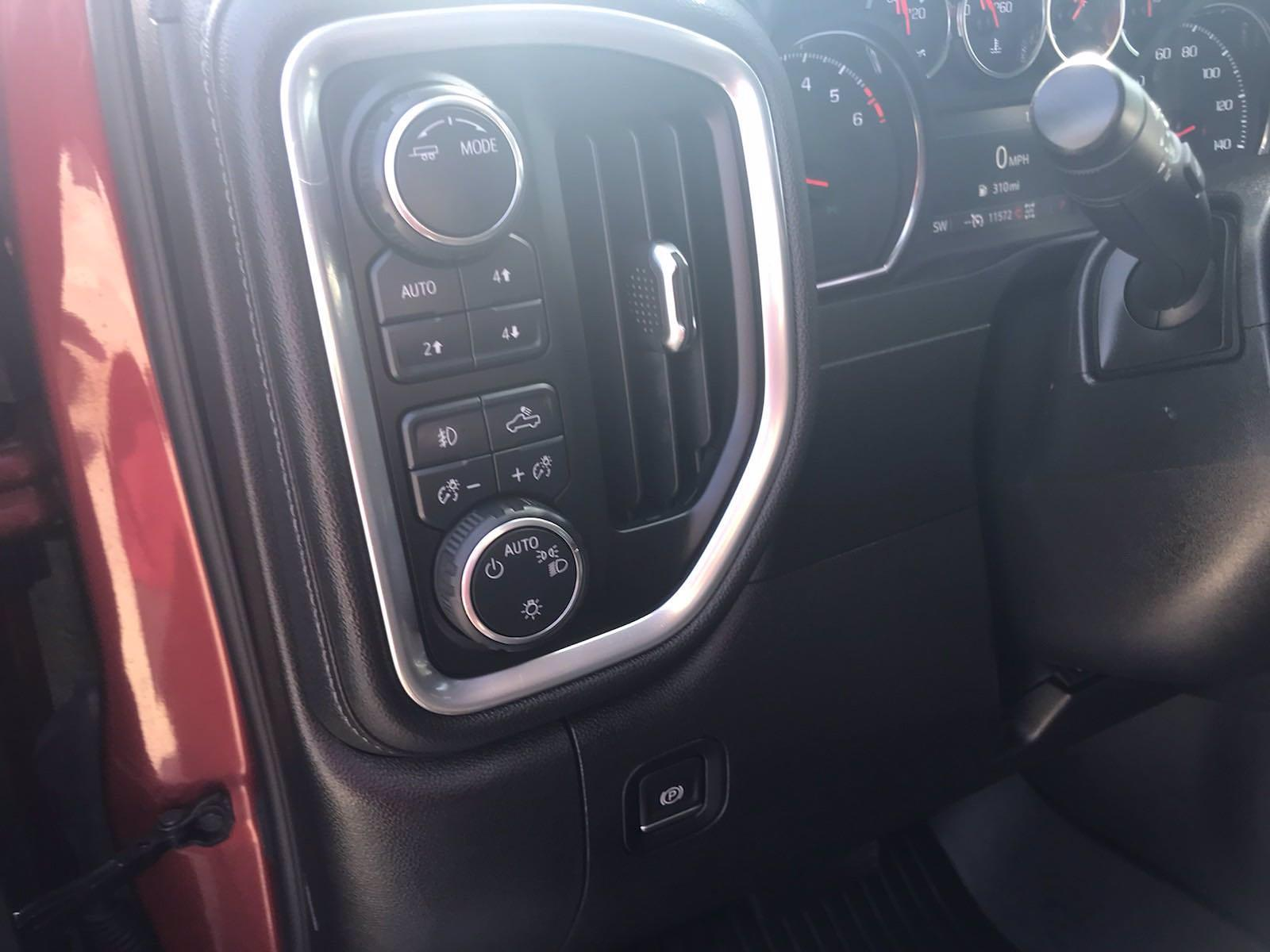 2020 Chevrolet Silverado 1500 Crew Cab 4x4, Pickup #217056A - photo 27