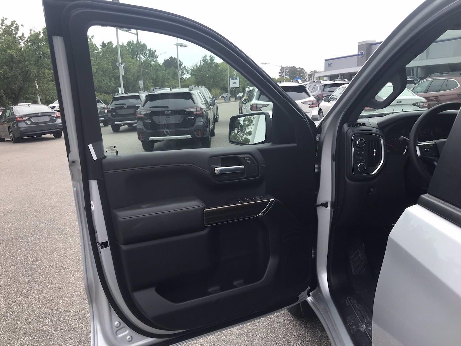2021 Chevrolet Silverado 1500 Crew Cab 4x4, Pickup #217302 - photo 19