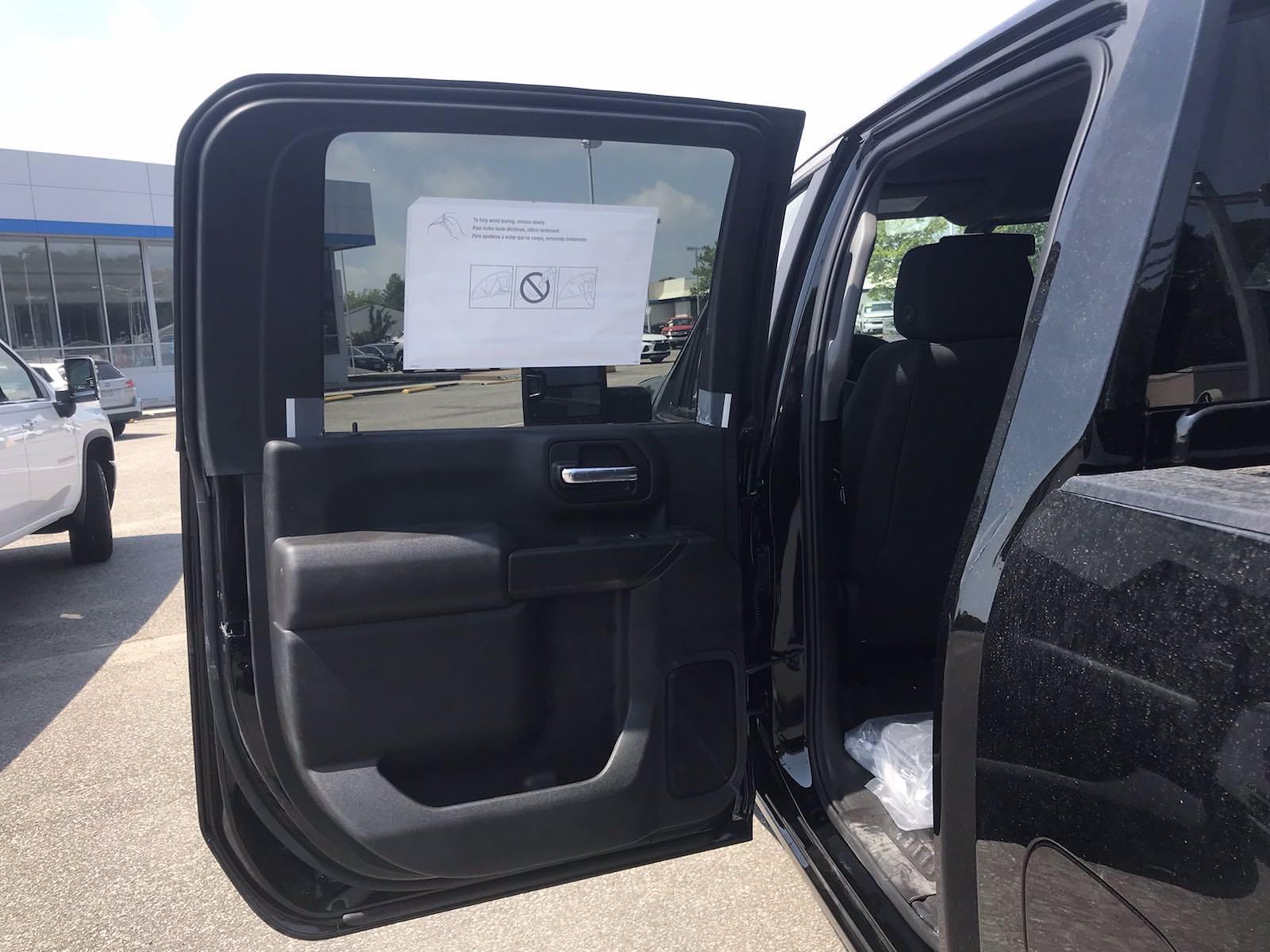 2021 Chevrolet Silverado 2500 Crew Cab 4x4, Pickup #217330 - photo 36