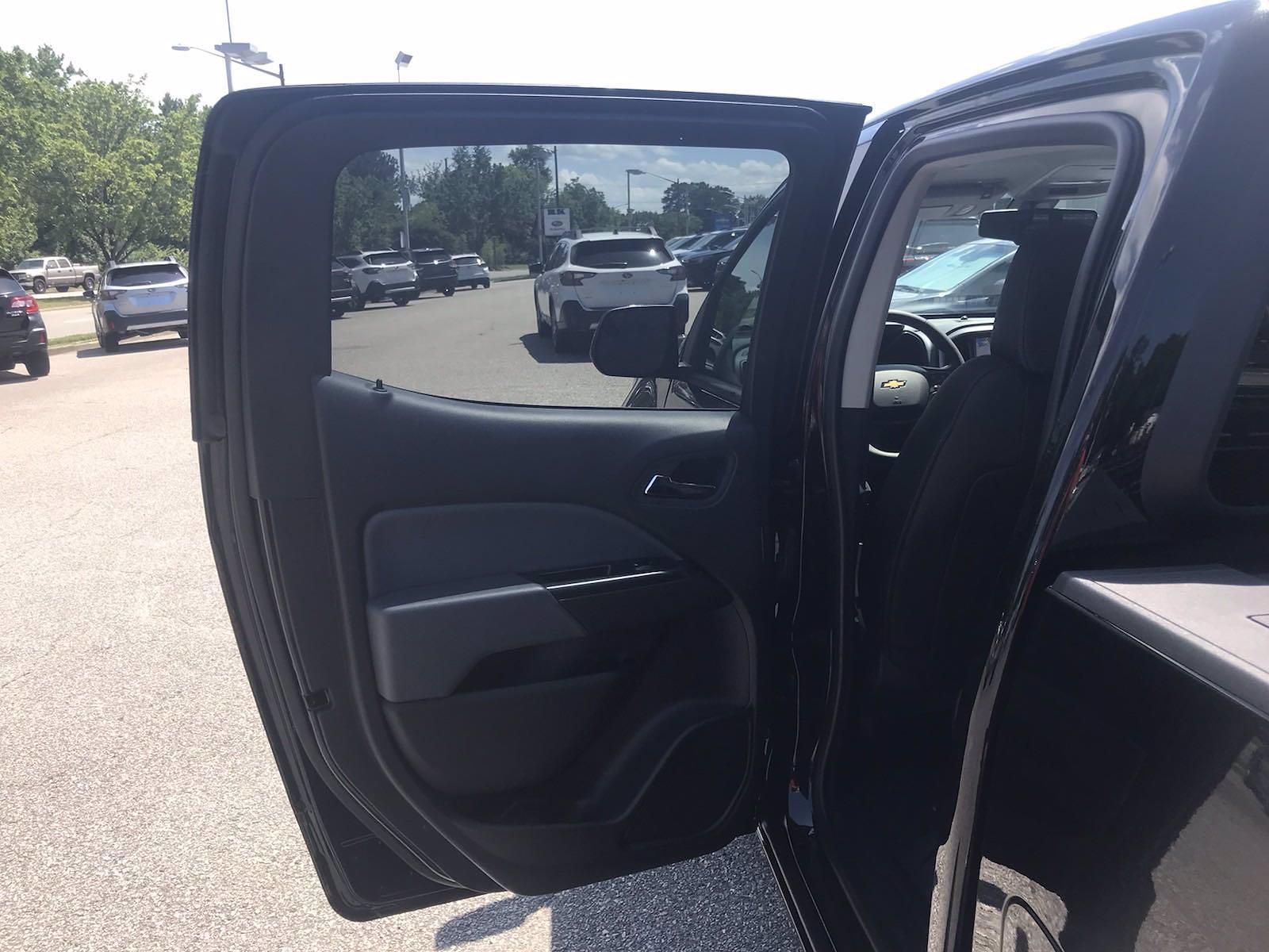 2021 Chevrolet Colorado Crew Cab 4x4, Pickup #217551 - photo 32