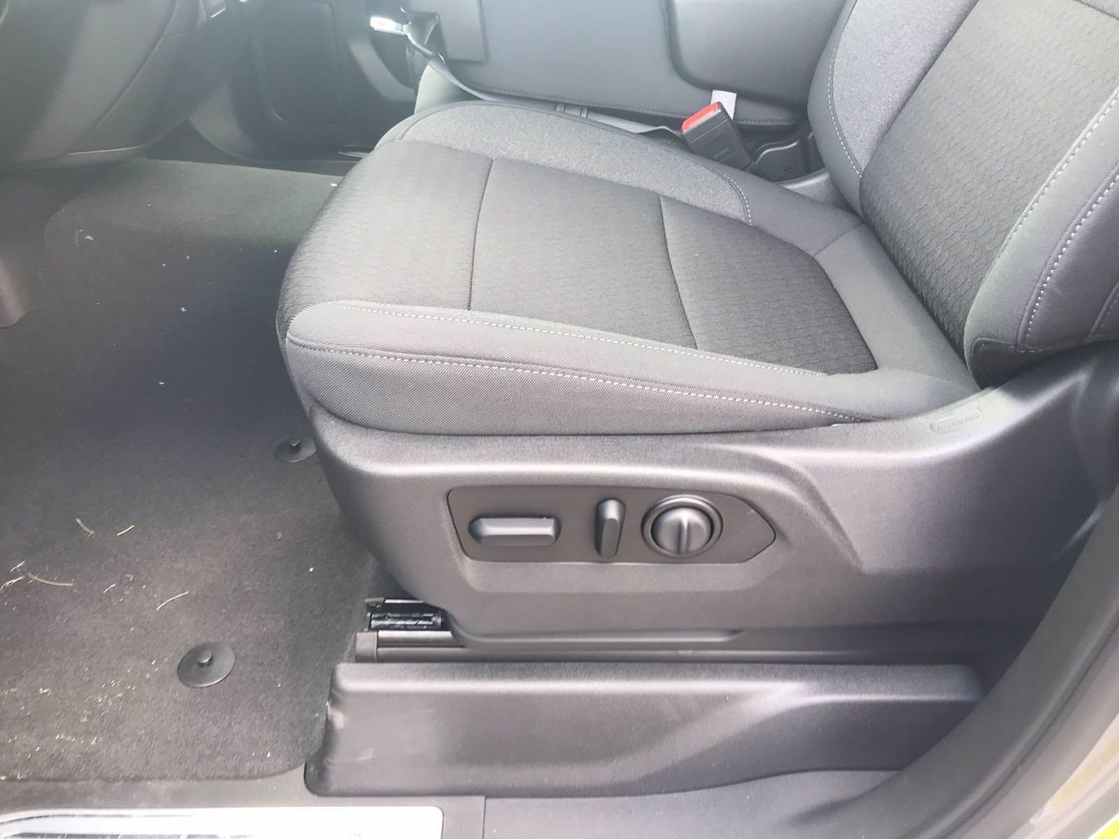 2021 Chevrolet Silverado 1500 Crew Cab 4x2, Pickup #217668 - photo 25
