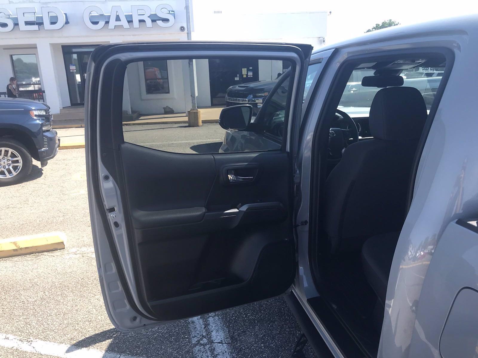 2018 Toyota Tacoma Double Cab 4x4, Pickup #227619A - photo 31