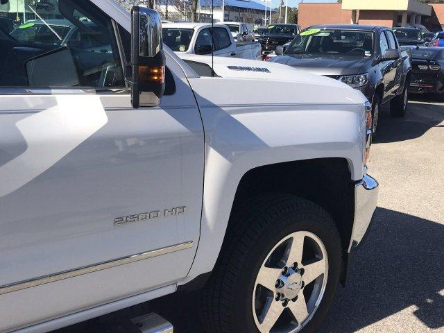 2019 Silverado 2500 Crew Cab 4x4,  Pickup #297744 - photo 9