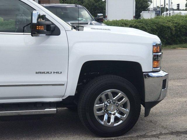 2019 Silverado 2500 Crew Cab 4x4,  Pickup #297997 - photo 9