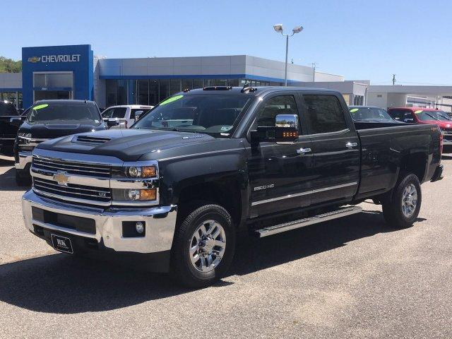 2019 Silverado 2500 Crew Cab 4x4,  Pickup #298325 - photo 4