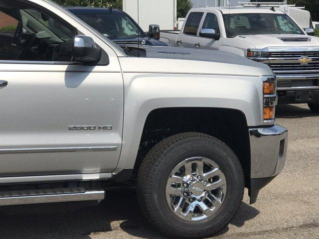 2019 Silverado 2500 Crew Cab 4x4,  Pickup #298885 - photo 9