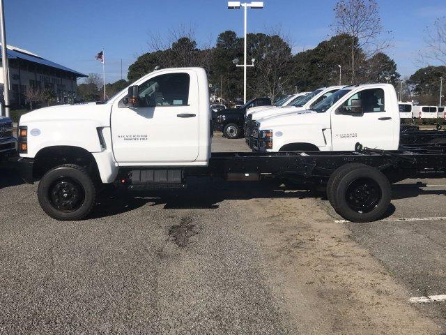 2020 Silverado 5500 Regular Cab DRW 4x4, Cab Chassis #CN02332 - photo 18