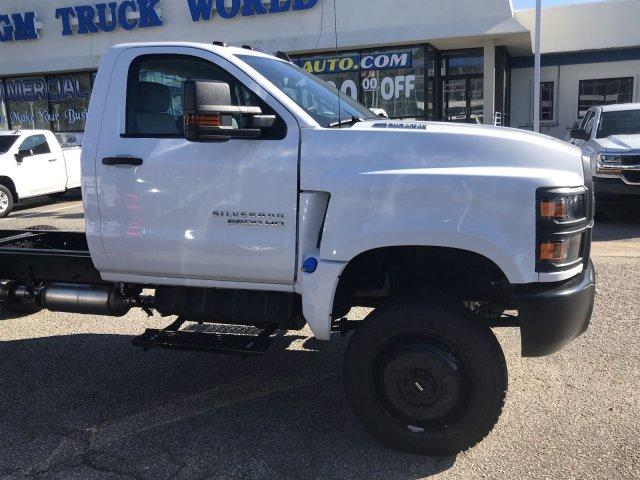 2020 Silverado 5500 Regular Cab DRW 4x4, Cab Chassis #CN02332 - photo 8