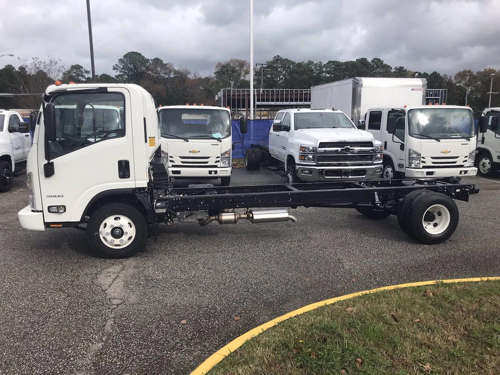 2020 Chevrolet LCF 3500 Regular Cab DRW 4x2, Dejana DuraBox Dry Freight #CN05463 - photo 5