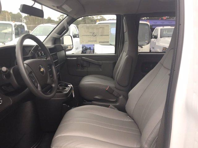 2020 Chevrolet Express 3500 4x2, Passenger Wagon #CN05561 - photo 22