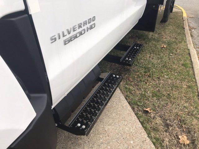 2020 Chevrolet Silverado 5500 Crew Cab DRW 4x2, Reading Platform Body #CN05741 - photo 18